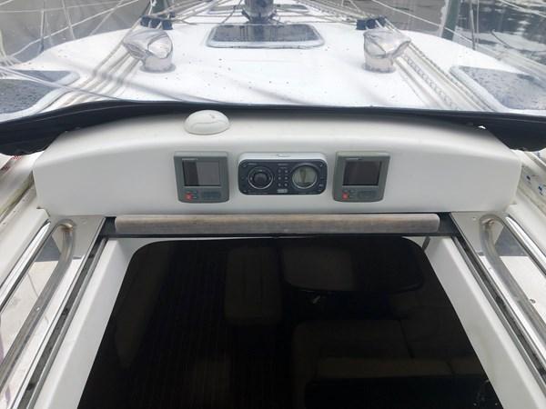 IMG_5564 2010 HUNTER Center cockpit 50 Center Cockpit 2719947