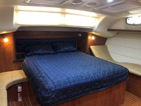 IMG_5582 2010 HUNTER Center cockpit 50 Center Cockpit 2719952