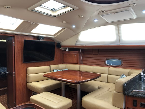 IMG_5572 2010 HUNTER Center cockpit 50 Center Cockpit 2719964