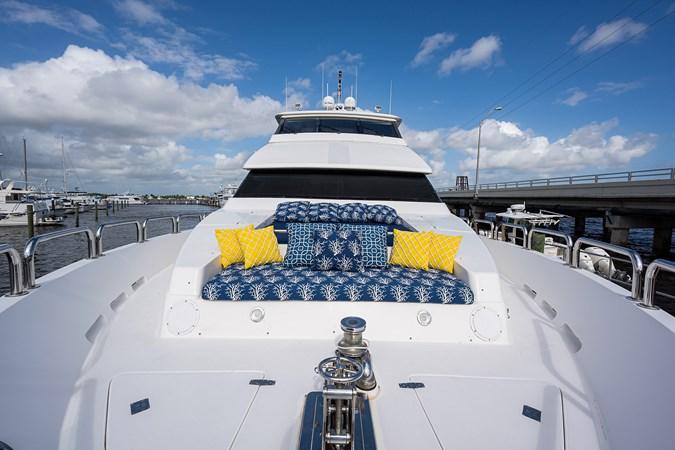 Bow 2005 HARGRAVE Sky Lounge Motor Yacht 2716513