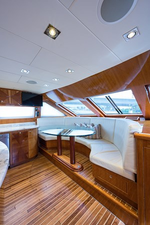 Galley Dinette 2005 HARGRAVE Sky Lounge Motor Yacht 2716526