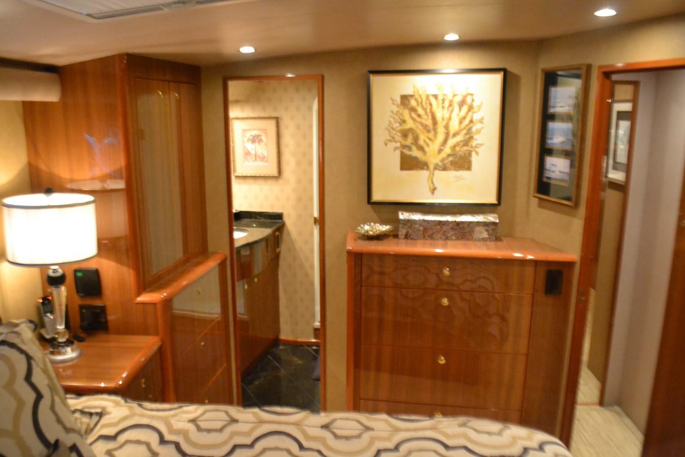 Master Stateroom 2005 VIKING Convertible Sport Fisherman 2715725