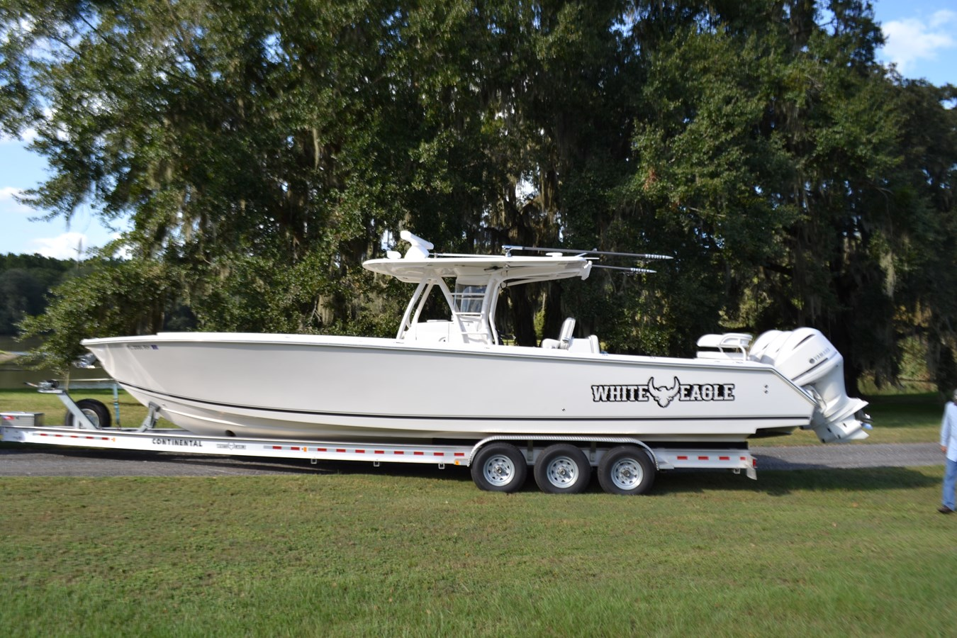 White Eagle 2017 JUPITER  Center Console 2815045