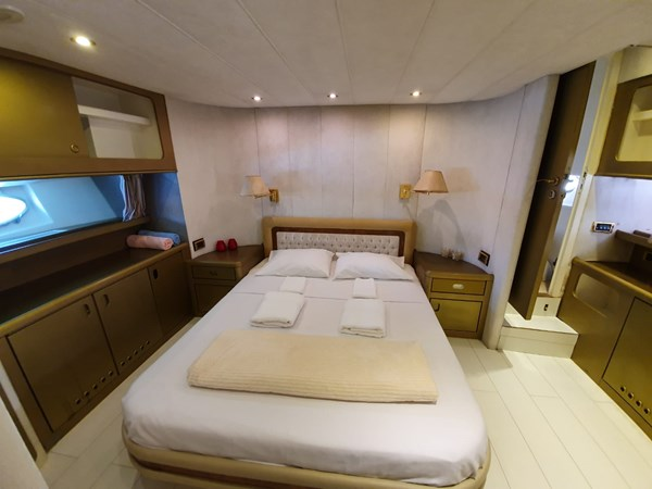 MM1 19 1994 CUSTOM BUILT  Motor Yacht 2718156
