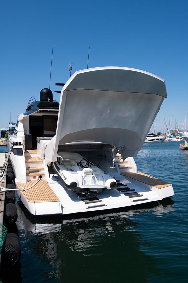 Garage 2017 PERSHING 82 VHP Motor Yacht 2717494