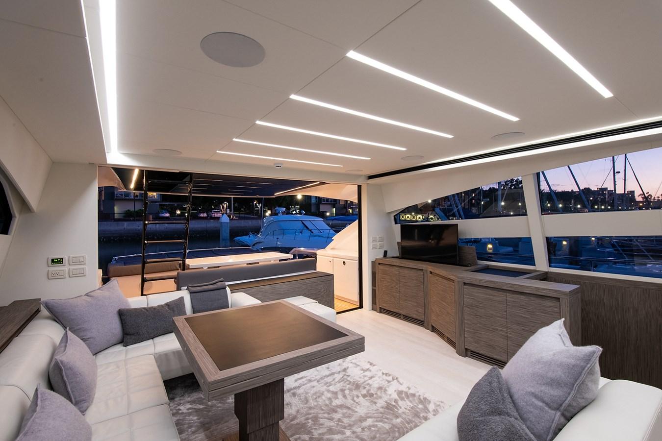 Salon 2017 PERSHING 82 VHP Motor Yacht 2717532