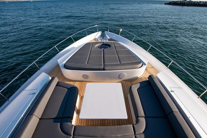 Bow Seating 2017 PERSHING 82 VHP Motor Yacht 2717455