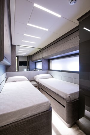 Guest Stateroom 2017 PERSHING 82 VHP Motor Yacht 2718873