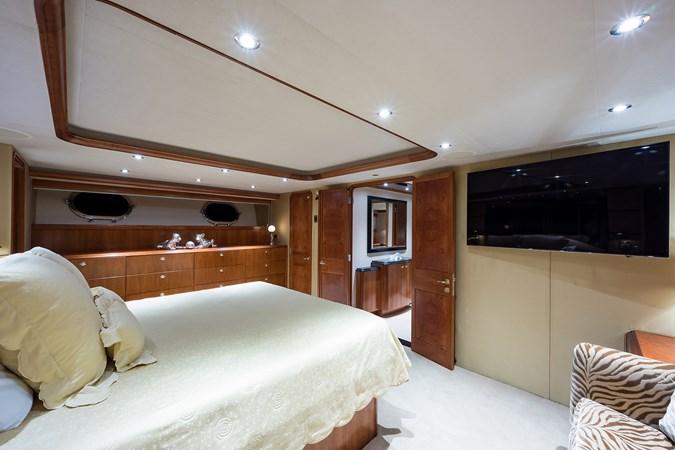 Kaleen_master_stateroom_7 2008 WESTPORT  Motor Yacht 2718058
