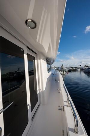 Kaleen_starboard_passageway_1 2008 WESTPORT  Motor Yacht 2718059