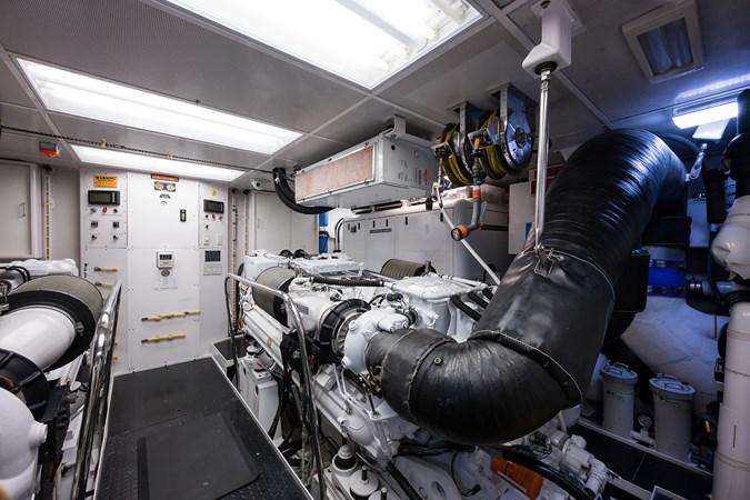 Kaleen_engine_room_2 2008 WESTPORT  Motor Yacht 2718076