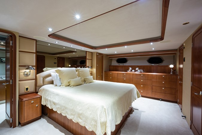 Kaleen_master_stateroom_5 2008 WESTPORT  Motor Yacht 2718089