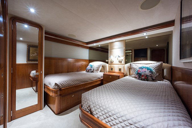 Kaleen_starboard_guest_stateroom_1 2008 WESTPORT  Motor Yacht 2718094