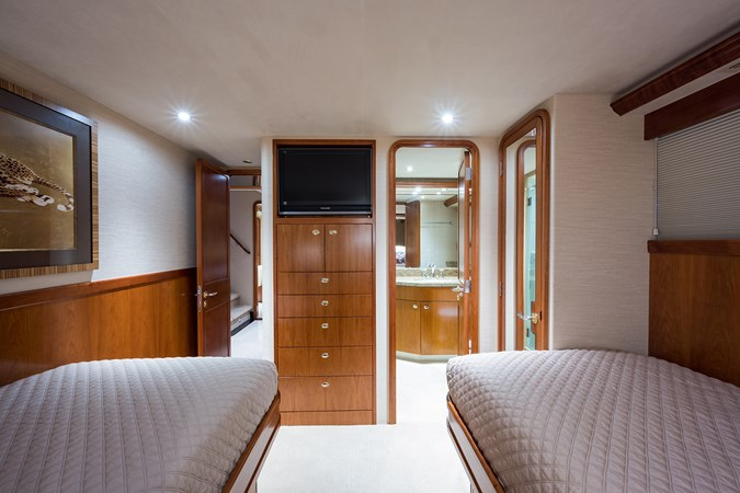 Kaleen_starboard_guest_stateroom_4 2008 WESTPORT  Motor Yacht 2718104