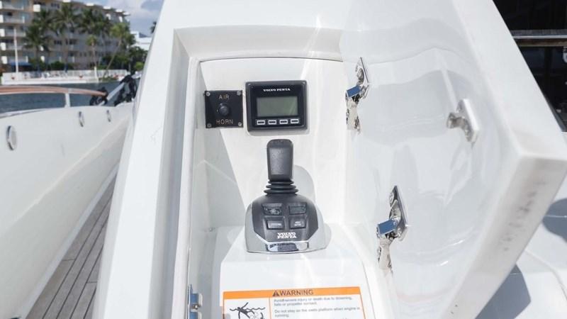 92' Lazzara 2012-Image88 2012 LAZZARA LSX 92 Motor Yacht 2780286