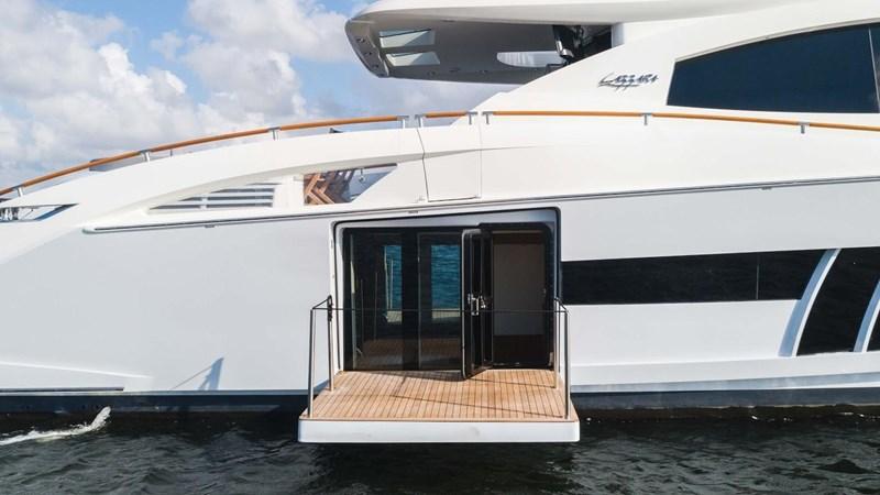 92' Lazzara 2012-Image15 2012 LAZZARA LSX 92 Motor Yacht 2780299