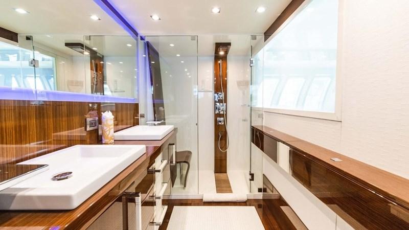 92' Lazzara 2012-Image38 2012 LAZZARA LSX 92 Motor Yacht 2780305