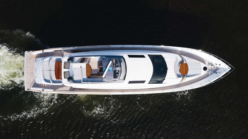92' Lazzara 2012-Image10 2012 LAZZARA LSX 92 Motor Yacht 2780313