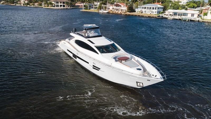 92' Lazzara 2012-Image6 2012 LAZZARA LSX 92 Motor Yacht 2780365