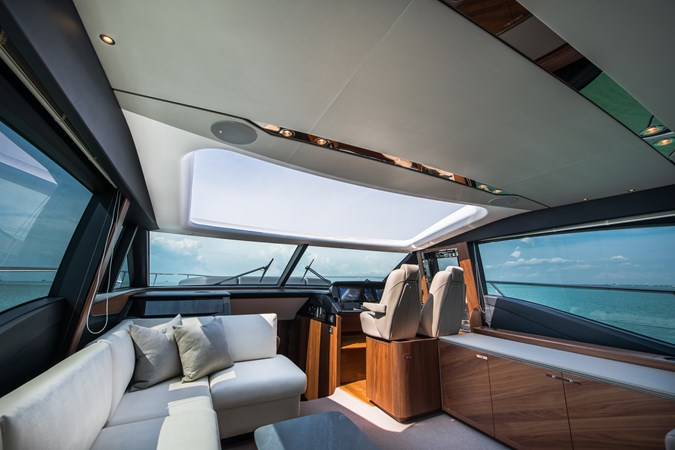 Interior Seating 2017 PRINCESS YACHTS S65 Motor Yacht 2780825