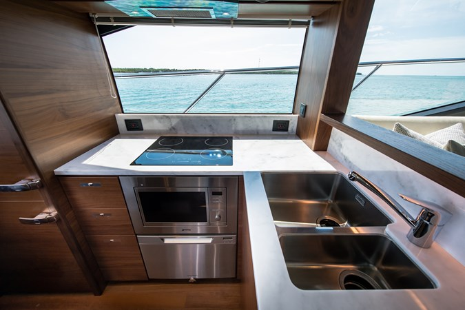 Salon Galley  2017 PRINCESS YACHTS S65 Motor Yacht 2780866