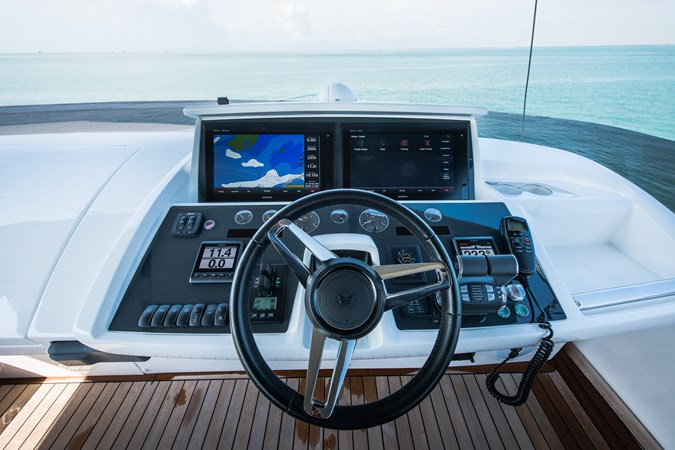 Flybridge Helm 2017 PRINCESS YACHTS S65 Motor Yacht 2780875