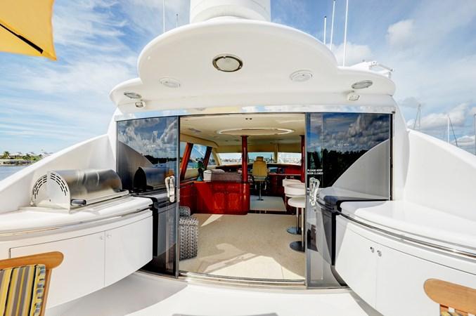 38 2006 LAZZARA 80 Skylounge Motor Yacht 2727505