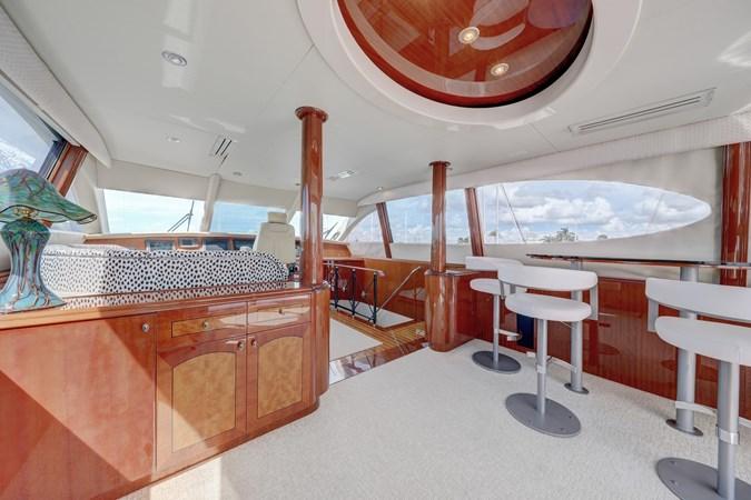 37 2006 LAZZARA 80 Skylounge Motor Yacht 2727520
