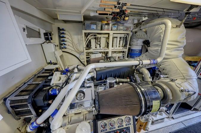 44 2006 LAZZARA 80 Skylounge Motor Yacht 2727535