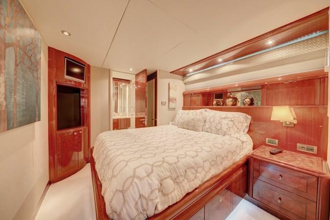 24 2006 LAZZARA 80 Skylounge Motor Yacht 2727543