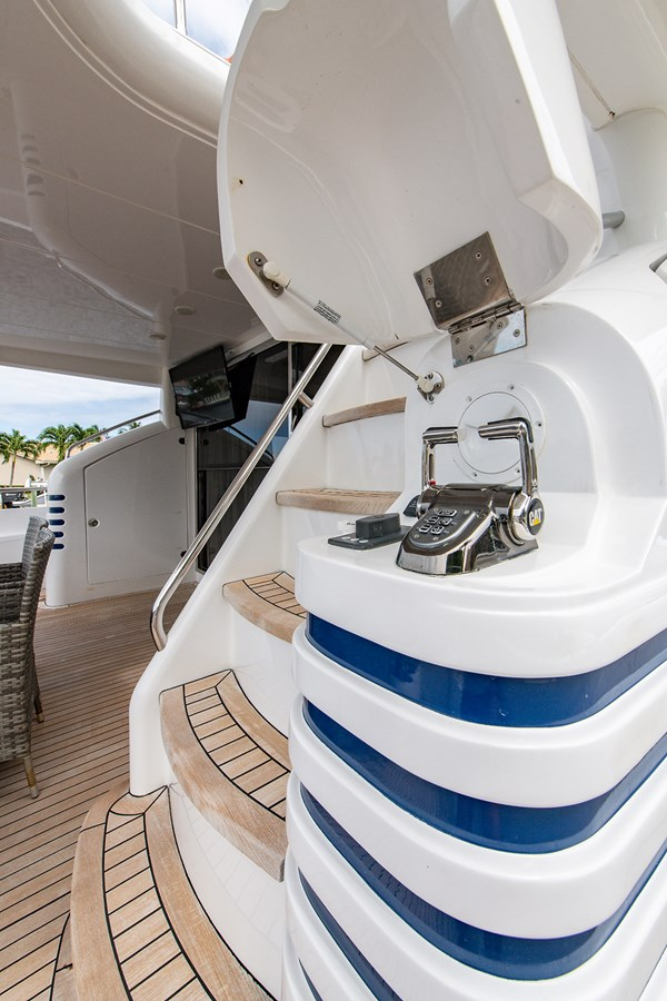 Forever 5_Aft Deck1 2006 PRINCESS YACHTS  Motor Yacht 2721758