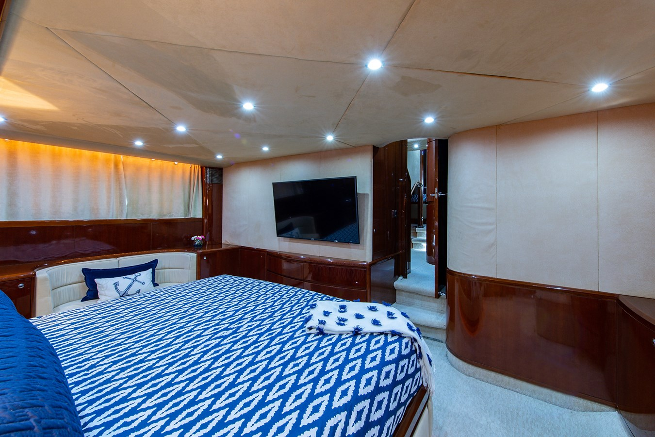 Forever 5_Master Stateroom6 2006 PRINCESS YACHTS  Motor Yacht 2721804