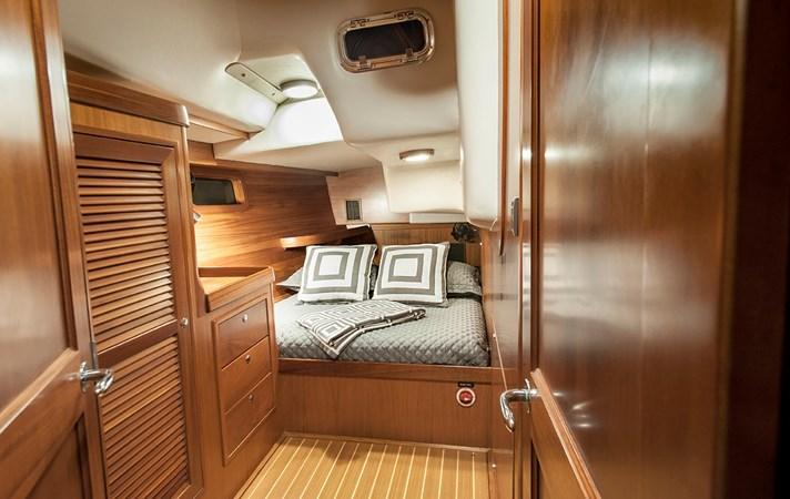 Aft Cabin 1 2006 J BOATS  Sloop 2723213