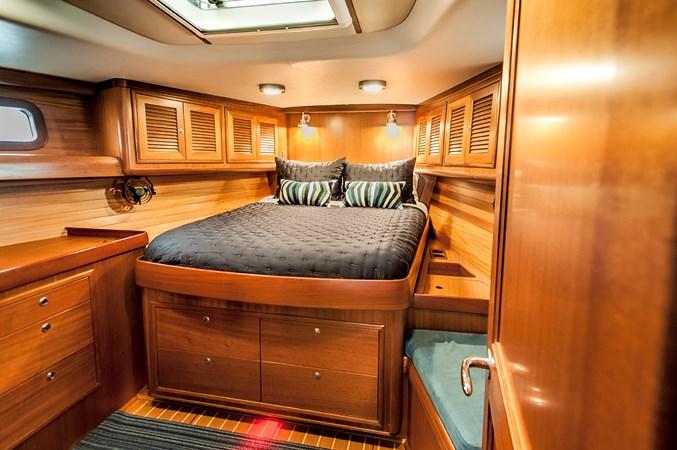 Master Cabin Forward 2006 J BOATS  Sloop 2723215