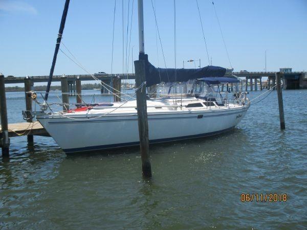 7222726_20190918191724962_1_XLARGE 2006 CATALINA  Cruising/Racing Sailboat 2723601