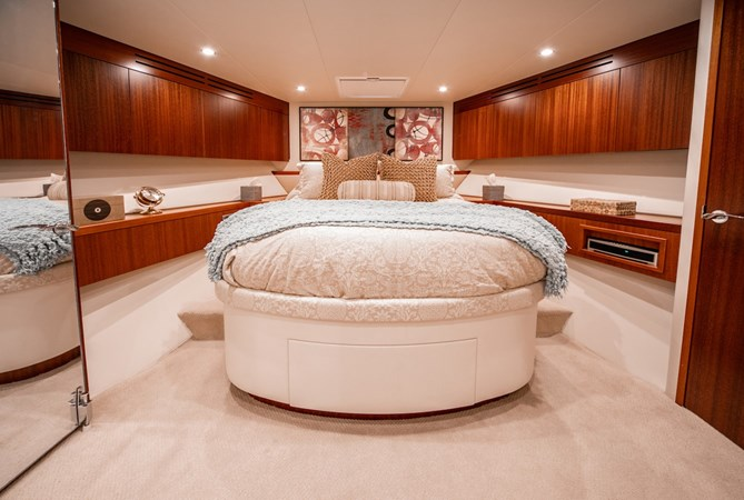 2013 HATTERAS Enclosed Bridge MY Motor Yacht 2725494