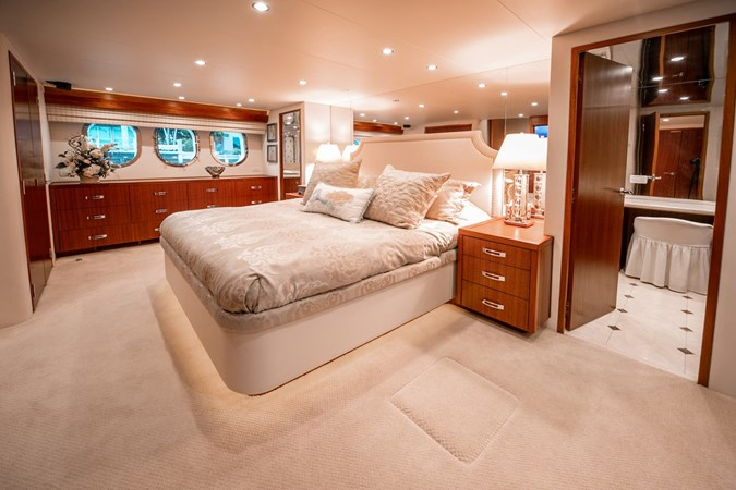 2013 HATTERAS Enclosed Bridge MY Motor Yacht 2725499
