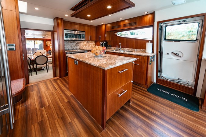 2013 HATTERAS Enclosed Bridge MY Motor Yacht 2725514