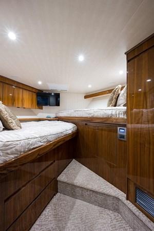 Forward Stateroom 2016 VIKING Convertible Sport Fisherman 2726057