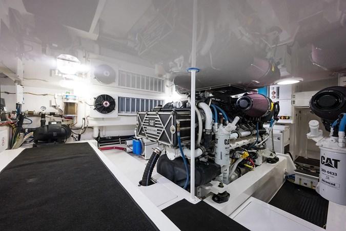 Engine Room 2016 VIKING Convertible Sport Fisherman 2726076