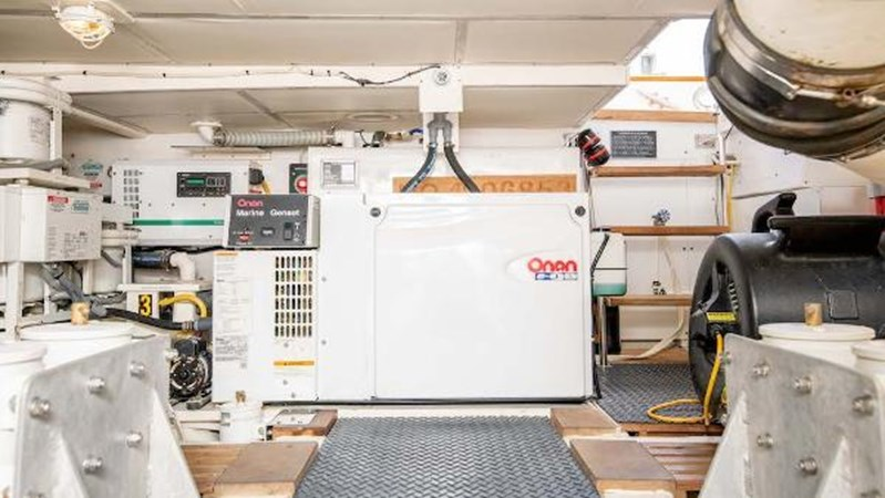 Engine Room Generator 2008 GRAND BANKS  Trawler 2752083