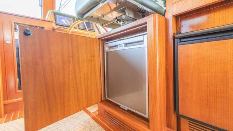 Refrigerator 2008 GRAND BANKS  Trawler 2752108