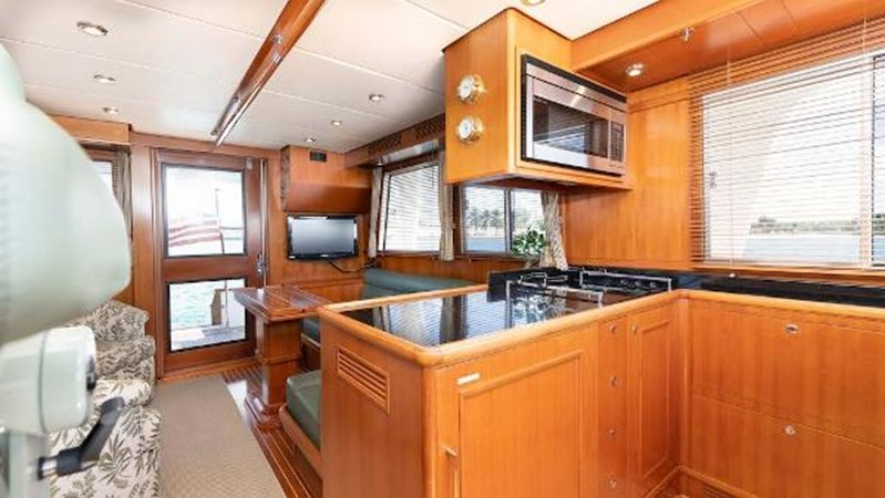 Galley 2008 GRAND BANKS  Trawler 2752122