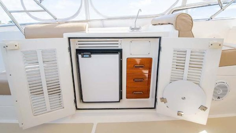 Flybridge Refrigerator 2008 GRAND BANKS  Trawler 2752128