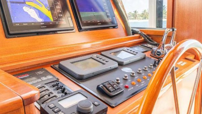 Helm Equipment 2008 GRAND BANKS  Trawler 2752132