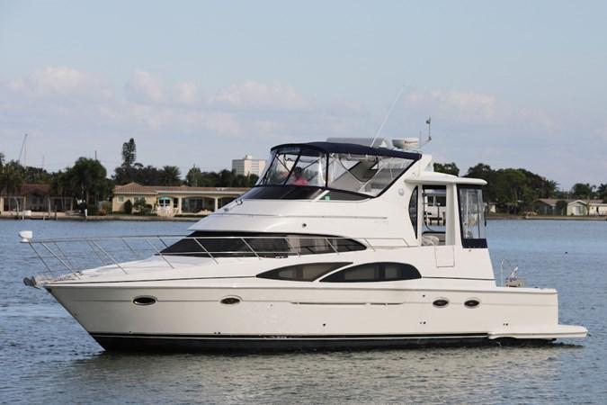 Port Side  2006 CARVER 44 CMY Cruiser 2733158