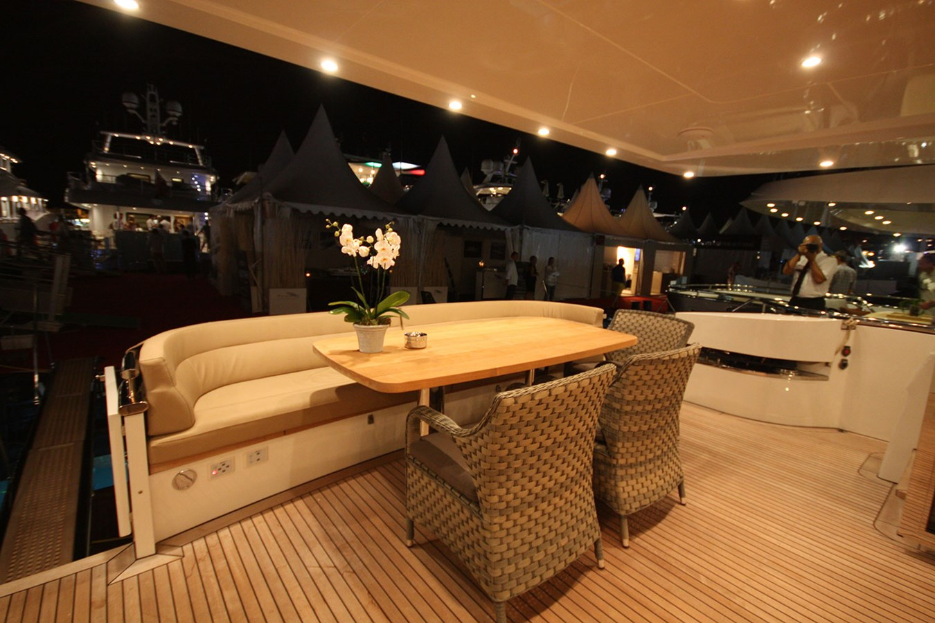 6-Flybridge 2014 VAN DER VALK Continental II Cruiser 2727280