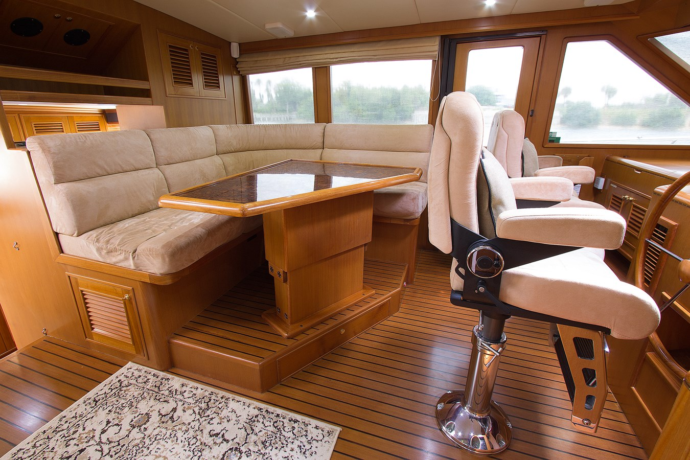 Pilothouse Settee 2007 OFFSHORE YACHTS  Motor Yacht 2728165