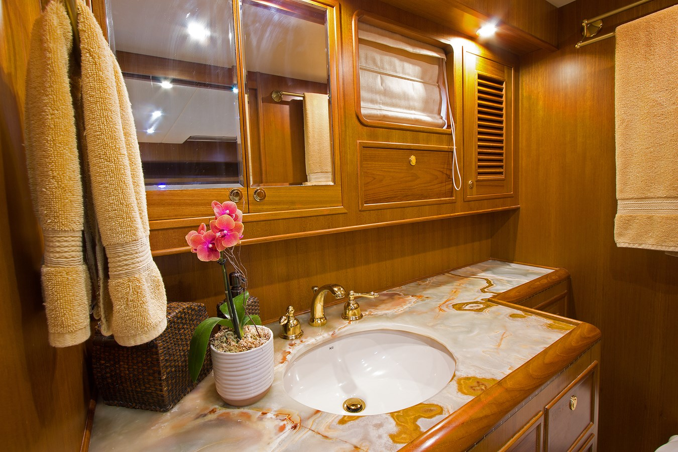 Master Stateroom Head 2007 OFFSHORE YACHTS  Motor Yacht 2728166