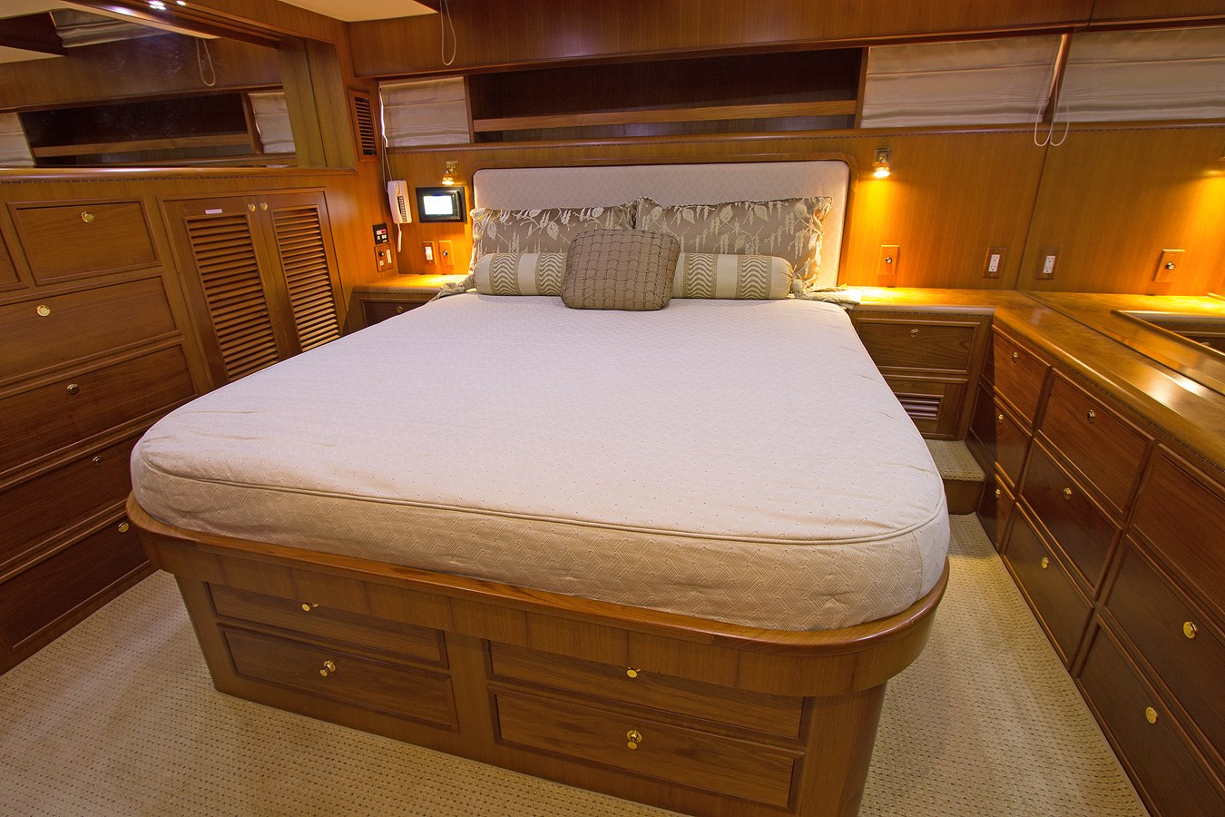 Master Stateroom 2007 OFFSHORE YACHTS  Motor Yacht 2728174